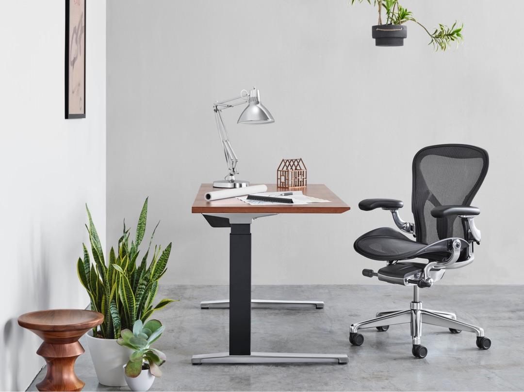 noul scaun aeron workspace studio