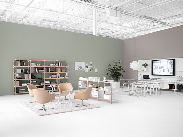 Configurația Workshop îți oferă spațiul perfect pentru o varietate de activități creative: analizezi informațiile proiectate pe ecran cu colegii tăi sau discuți cu ei proiectul la care lucrați.